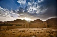 Fort in de Marokkaanse woestijn royalty-vrije stock foto's