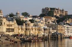 Fort et Ghats d'Udaipur Images stock