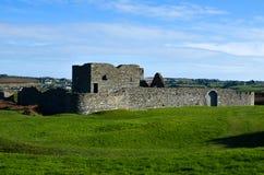 Fort för arkitektur för sten för medeltida fästning för Kinsale slott irländskt royaltyfri bild