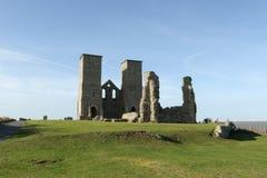 Fort för kust för saxon för Reculver torn roman och rest av den 12th århundradekyrkan Royaltyfri Bild