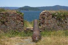 Fort historique protégeant Valdivia au Chili du sud Images stock