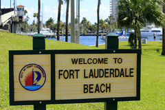 Fort Lauderdale Beach Welcome Sign. FORT LAUDERDALE, FLORIDA - FEBRUARY 3: Welcome to Fort Lauderdale Beach sign in Merle Fogg / Idlewyld park near Las Olas stock images
