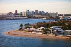 Fort Lauderdale-Häuser und Skyline Stockfotografie