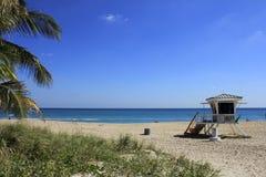 Playa del Fort Lauderdale de la estación del salvavidas fotografía de archivo libre de regalías