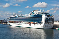 Cruise liner in the harbor in Fort Lauderdale Stock Photography