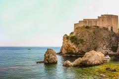 Fort Lovrijenac på den gamla staden av Dubrovnik arkivbilder