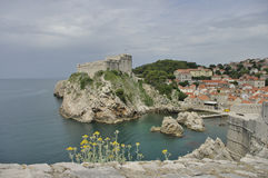 Fort Lovrijenac, [St Lawrence vesting] vroegere vesting, nu theater van Dubrovnik Stock Fotografie