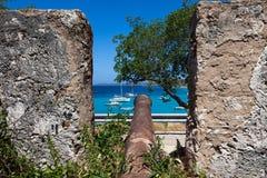 Fort - Meningen rond Curacao Caraïbisch eiland stock foto