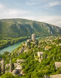 Fort met bergen in Bosnië - Herzegovina stock afbeeldingen