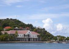 Fort Oscar och Hotell de Ville i Gustavia, St Barts, franska västra Indies Fotografering för Bildbyråer