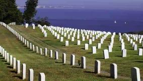 Fort Rosecrans-nationaler Friedhof in San Diego stock video