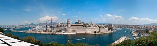 Fort Saint-Jean et vieux port à Marseille Photographie stock libre de droits