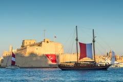 Fort-St. Angelo und Segel versenden, großartiger Hafen, Birgu, Malta, Euro Lizenzfreies Stockbild