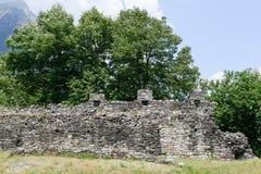 Fort van Norantola in Cama in Mesolcina-vallei Royalty-vrije Stock Afbeeldingen