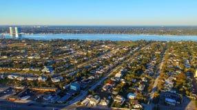 FORT WALTON FL, LUTY, - 2016: Powietrzny miasto widok Fort Walton ja Obraz Stock
