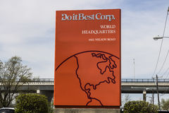 Fort Wayne - Circa April 2017: Do it Best World Headquarters. Do It Best is a member owned hardware cooperative I Stock Photo