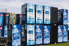 Fort Wayne - Circa April 2017: Pepsi en de Automaten die van Pepsico op Reparatie III wachten Royalty-vrije Stock Foto's