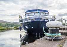 Fort William , Scotland - May 19 2017 : Lord of the glens anchoring in the harbour of Fort William. FORT WILLIAM , SCOTLAND - MAY 19 2017 : Lord of the glens stock images