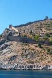 Fortaleza antigua en la costa fotos de archivo libres de regalías