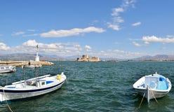 Fortaleza Bourtzi, puerto de Nafplion, Grecia Foto de archivo libre de regalías