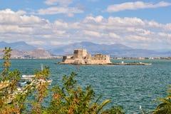 Fortaleza Bourtzi, puerto de Nafplion, Grecia Imagenes de archivo