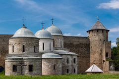 Fortaleza/Chruch de Ivangorod Foto de archivo libre de regalías