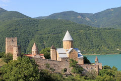 Fortaleza de Ananuri en Georgia imagen de archivo libre de regalías