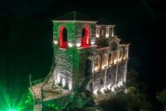 A fortaleza de Asen na noite foto de stock