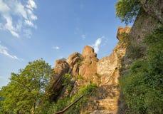 Fortaleza de Belogradchik interna e as rochas Fotos de Stock Royalty Free