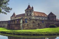 Fortaleza de Fagaras, Fagaras, Romênia Imagens de Stock Royalty Free
