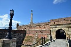 Fortaleza de Kalemegdan e monumento Pobednik Fotografia de Stock Royalty Free