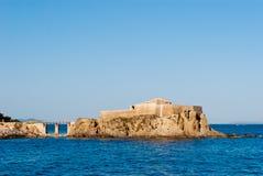 Fortaleza de la 'fondue' portuaria del La pequeña, isla de Porquerolles Imagen de archivo