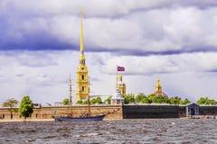 Fortaleza de Peter y de Paul en St Petersburg fotografía de archivo libre de regalías