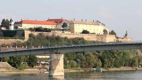 Fortaleza de Petrovaradin em Danube River Novi Sad filme