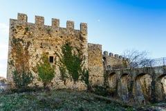 Fortaleza de piedra almenada vieja Imagen de archivo libre de regalías