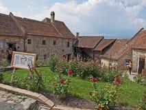 Fortaleza de Rasnov - interior fotografía de archivo libre de regalías