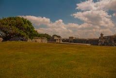 Fortaleza de San Carlos de La Cabana, fort av den St Charles ingången havana Gammal fästning i Kuba royaltyfri bild
