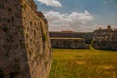 Fortaleza de San Carlos de La Cabana, fort av den St Charles ingången havana Gammal fästning i Kuba arkivfoton