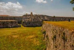 Fortaleza de San Carlos de La Cabana, fort av den St Charles ingången havana Gammal fästning i Kuba fotografering för bildbyråer