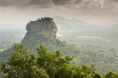 Fortaleza de Sigiriya Lion Rock, visión desde Pidurangala, Sri Lanka Fotos de archivo libres de regalías