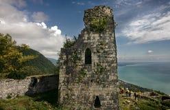 Fortaleza del griego clásico en montañas Fotografía de archivo libre de regalías