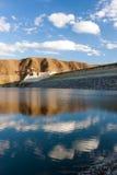 Fortaleza do reservatório de Azat sob o céu nebuloso Foto de Stock