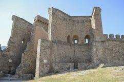A fortaleza Genoese - uma fortaleza na cidade de Sudak crimeia Imagem de Stock