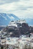 Fortaleza Hohensalzburg: Castelo medieval bonito dentro, atração turística fotos de stock