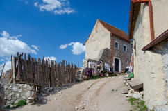 Fortaleza interior de Rasnov Imagen de archivo libre de regalías