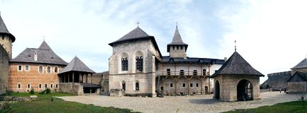 Fortaleza interna de Khotyn - panorama do pátio imagem de stock
