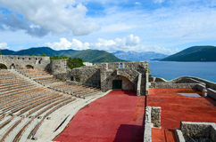 Fortaleza Kanli Kula (torre sangrienta) en el fondo del mar, Herceg Fotos de archivo