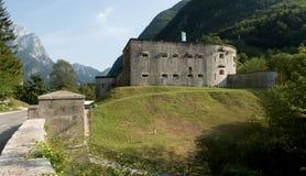 Fortaleza Kluze sobre el valle de Bavsica en el parque nacional de Triglav en Julian Alps en Eslovenia Foto de archivo