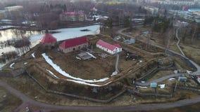 Fortaleza Korela, vídeo aéreo de abril Priozersk, Rusia almacen de metraje de vídeo