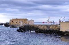 Fortaleza Koules Castello una yegua en el puerto veneciano viejo en la ciudad de Heraklion en el tiempo de la puesta del sol con  imagenes de archivo